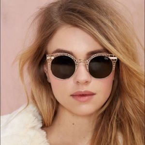 QUAY FLEUR GOLD RIM  ROUND CAT EYE SUNGLASSES